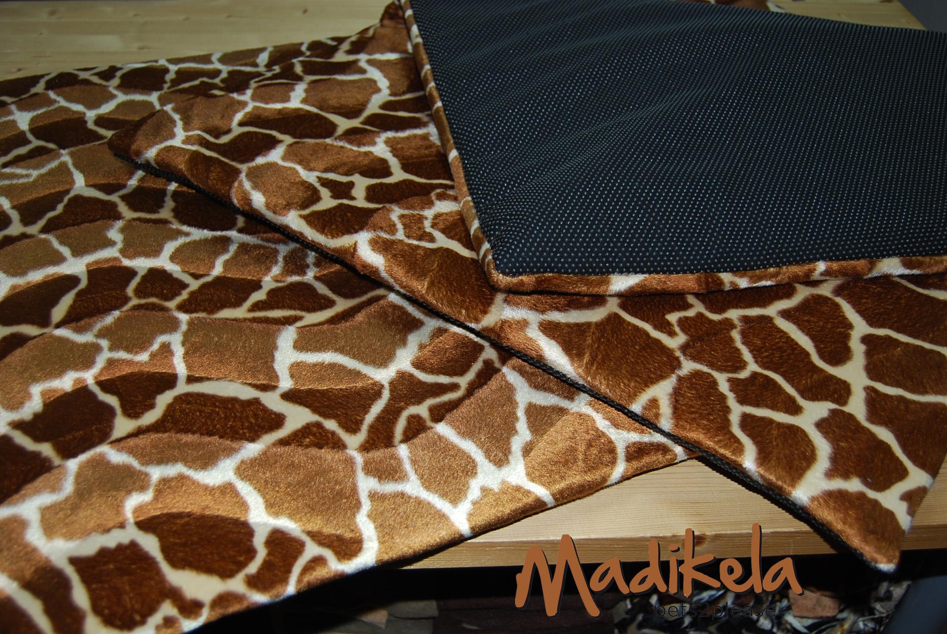 madikela pets2please rutschfeste decke rutschfeste hundedecke. Black Bedroom Furniture Sets. Home Design Ideas